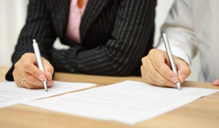 Hoe wordt belastinglatentie over een lijfrentepolis vastgesteld bij echtscheiding?